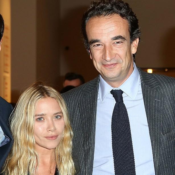 Você sabia que a ex-atriz e hoje estilista Mary-Kate Olsen, de 28 anos, namora desde 2012 com o banqueiro Olivier Sarkozy, de 45? Ele é meio-irmão do ex-presidente francês Nicolas Sarkozy. (Foto: Getty Images)