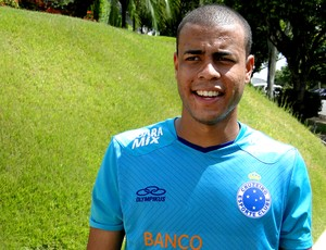 Lateral Mayke do Cruzeiro (Foto: Mauricio Paulucci)