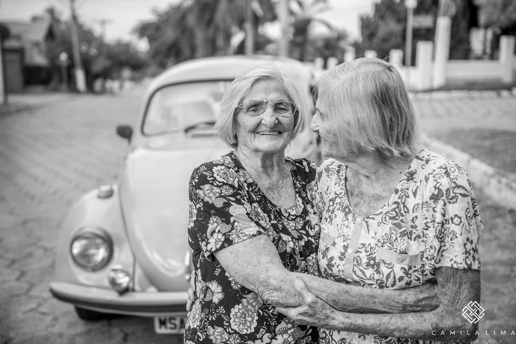 Maria e Paulina completam 100 anos no dia 24 de maio (Foto: Camila Lima Fotografia )