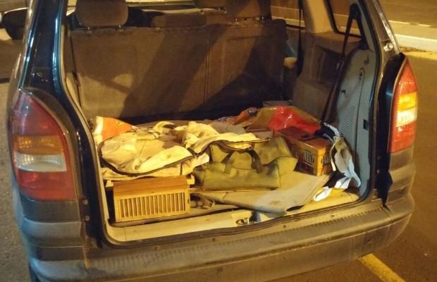 PRF resgata pássaros transportados em porta-malas de carro em Itumbiara, Goiás (Foto: Divulgação/PRF)