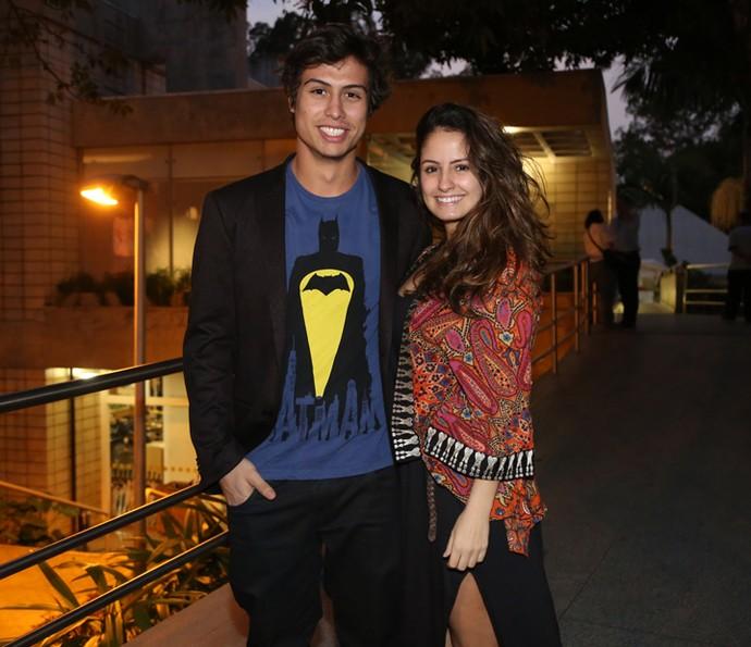 Francisco Vitti e Amanda de Godoi chegam para a confraternização com o elenco de 'Malhação' (Foto: Isabella Pinheiro/Gshow)