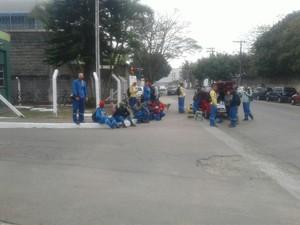 Coletores de lixo fazem greve em São José dos Campos (Foto: Arquivo Pessoal)