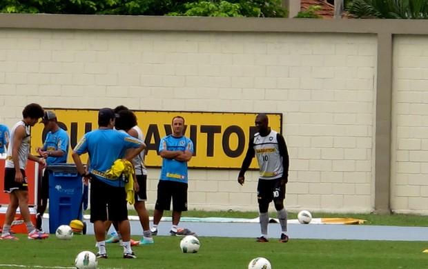 Seedorf botafogo treino (Foto: Thales Soares / Globoesporte.com)