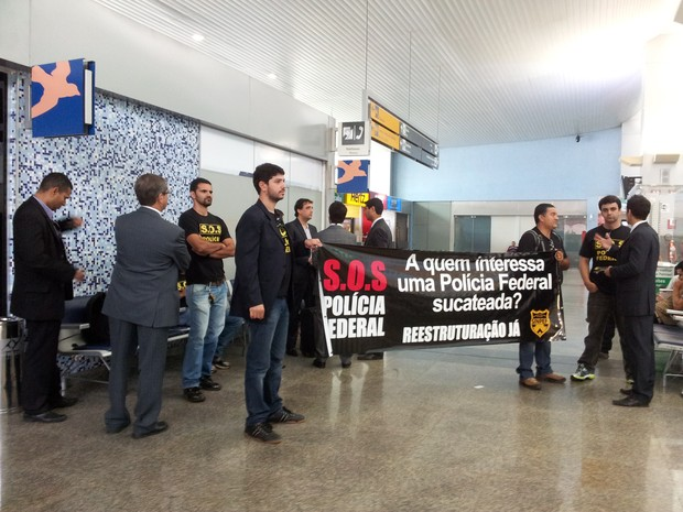 Agentes da PF durante protesto no aeroporto de Palmas (Foto: PF/Divulgação)