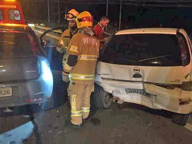 Acidente entre carros em Samambaia, no Distrito Federal (Foto: Cintia Reis/Arquivo Pessoal)