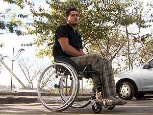 Cadeirante vai à polícia por falta de acessibilidade em ônibus em Vinhedo (Foto: Reprodução / EPTV)