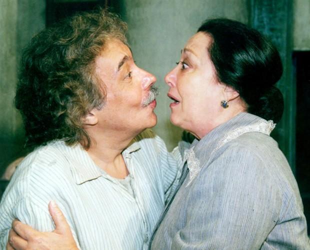 Dona Mimosa e Calixto, vivido pelo ator Pedro Paulo Rangel na novela O Cravo e A Rosa (Foto: Cristiana Isidoro / TV Globo)