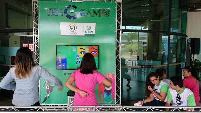Arena Free Play divertindo aqueles que não se inscreveram na competição (Foto: Gabriel Morelli/G1)
