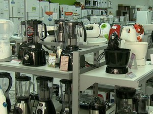 Cerca de 70 produtos estão com 30% de desconto em loja de Araraquara (Foto: Reprodução EPTV)