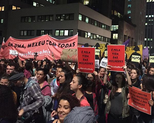 Protesto em São Paulo pelo fim da cultura do estupro (Foto: Daniela Carasco)