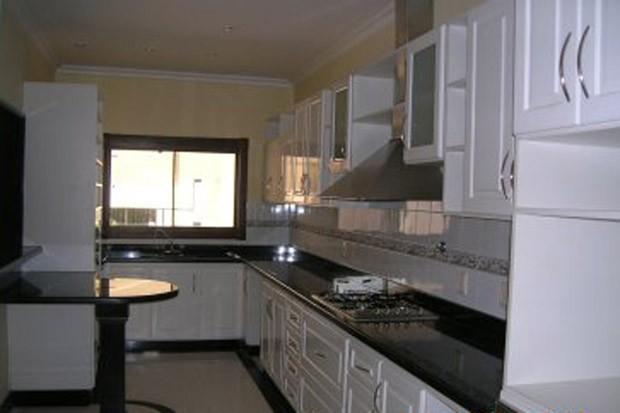 Cozinha da casa de Roger Abdelmassih em Assunção, no Paraguai (Foto: Divulgação)