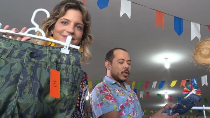 Paula Magalhães e Renato Oliveira garimpam moda em Juazeiro (Foto: TV Bahia)