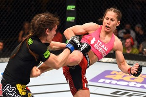 Liz Carmouche x Lauren Murphy, UFC Fight Night (Foto: Josh Hedges / Getty Images)