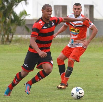 Rodrigão, atacante do Campinense (Foto: Junot Lacet Filho / Jornal da Paraíba)