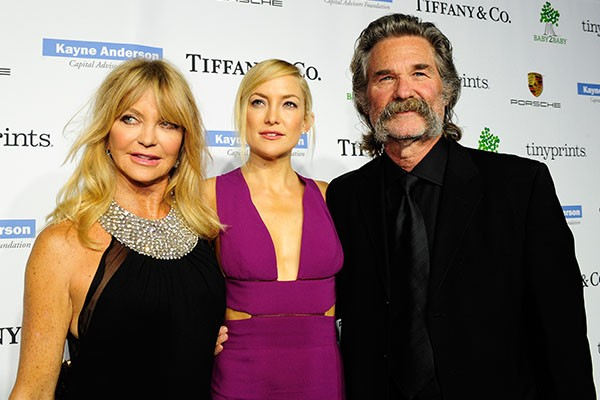 Goldie Hawn, Katie Hudson e Kurt Russell (Foto: Getty Images)