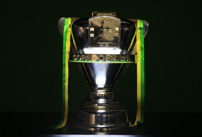 Resultado de imagem para foto de sampaio e moto na copa do brasil