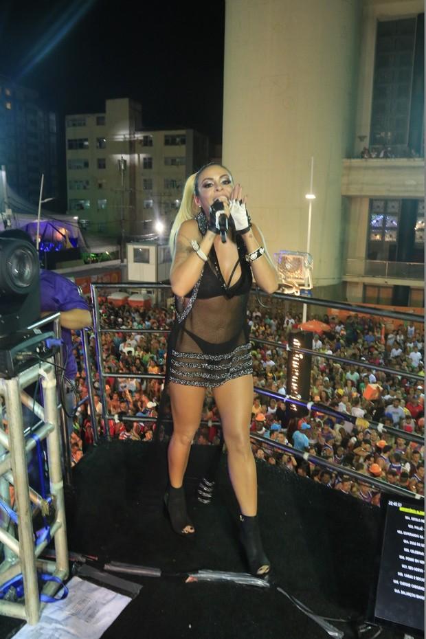 Aline Rosa em Salvador (Foto: Fred Pontes/ Divulgação)