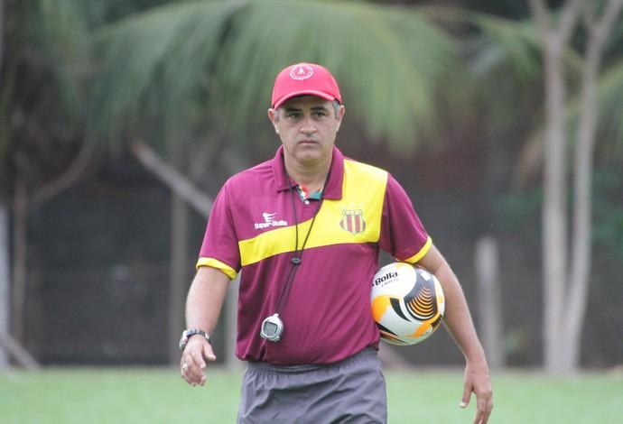 Técnico do Sampaio, Marcelo Chamusca, acredita em partida complicada diante do Flamengo-PI (Foto: Biaman Prado/O Estado)