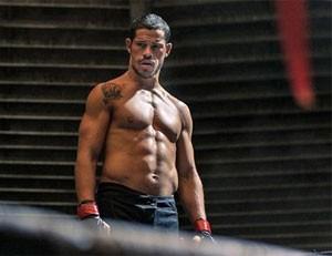 José Loreto pegou pesado na dieta para ficar com a forma física do lutador José Aldo (Foto: Divulgação)