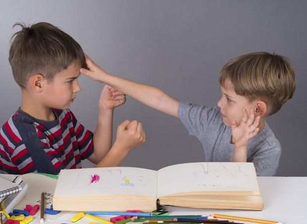 TDAH; meninos; briga; escola (Foto: Thinkstock)