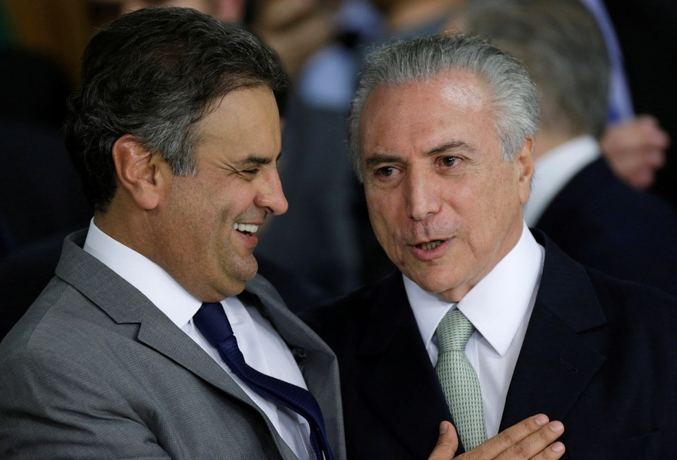 O presidente licenciado do PSDB, Aécio Neves, e o presidente Michel Temer (Foto: Ueslei Marcelino/Reuters)