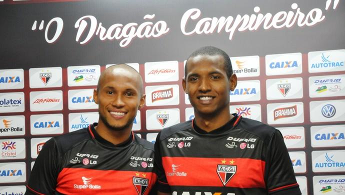 Jonas, lateral, e Josimar, atacante - reforços do Atlético-GO (Foto: Guilherme Gonçalves/Globoesporte.com)