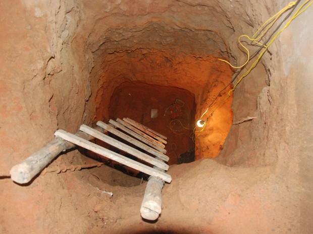Túnel já tinha cerca de 20 metros e estava próximo ao muro do presídio (Foto: Divulgação)