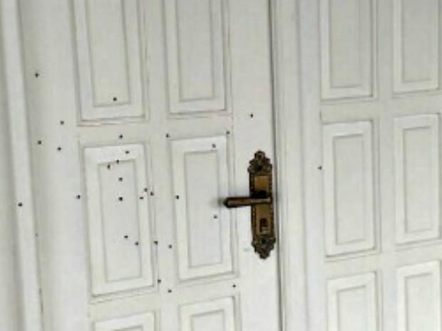 Casa de agente também foi alvo de ataques na madrugada desta terça (7) (Foto: Divulgação/Asspen-AC)