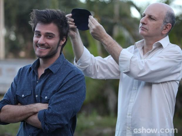 Hugo e Sergio recriam amizade entre personagens (Foto: Pedro Curi / TV Globo)
