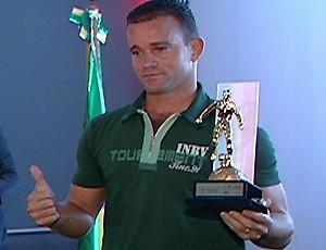Paulinho Pimentel, o 'Rooney Capixaba' (Foto: Reprodução/TV Gazeta)