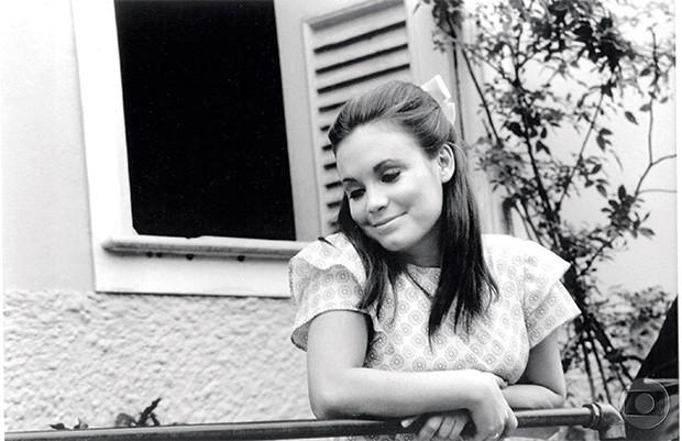 A NAMORADINHA Regina Duarte na novela Véu de noiva, de 1969. Ela veio para a Globo porque as suas prestações estavam atrasadas (Foto: Acervo TV GLOBO/CEDOC )