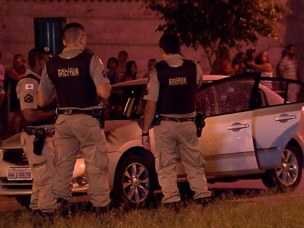 Adolescente é baleado por PMs após resistir a abodagem em Belo Horizonte (Foto: Reprodução/ TV Globo)