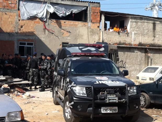 Região onde PM foi baleada durante tiroteio tem policiamento (Foto: Alba Valéria Mendonça / G1)