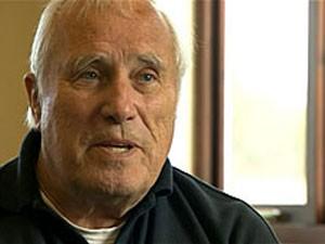 John Wildey tentou acordar piloto mas teve que pousar avião (Foto: BBC)