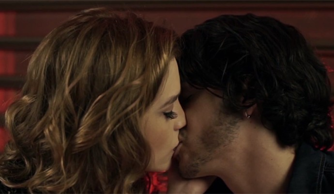 Tem final feliz no clipe da Sophia Abrahão? (Foto: Reprodução)