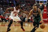 Bucks batem os Bulls em Chicago e embolam série pela Conferência Leste