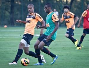 Jemerson, Lucas Cândido, Atlético-MG, treino, Cidade do Galo (Foto: Bruno Cantini / Site Oficial do Atlético-MG)