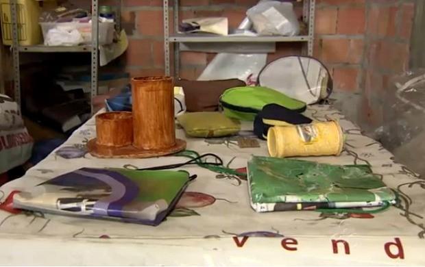 Associação oferece sessões de artesanato à comunidade (Foto: Bom Dia Amazônia)