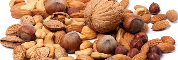 Amêndoas e sementes contém triptofano e magnésio  (Foto: Think Stock)