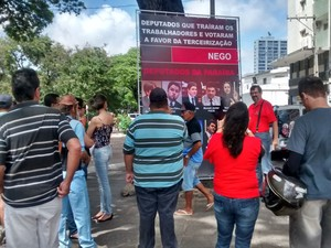 Manifestação em João Pessoa (Foto: Diogo Almeida/G1)