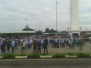 Operários da GM fazem paralisação na fábrica de São José, SP (Foto: José Rodolfo Costa/ Arquivo Pessoal)