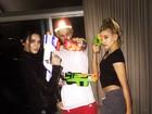 Justin Bieber se diverte com Kendall Jenner e Hailey Baldwin