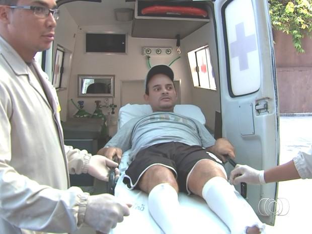 Homem que 'voou' de caminhonete em acidente recebe alta: 'Recomeço' em Goiás (Foto: Reprodução/TV Anhanguera)