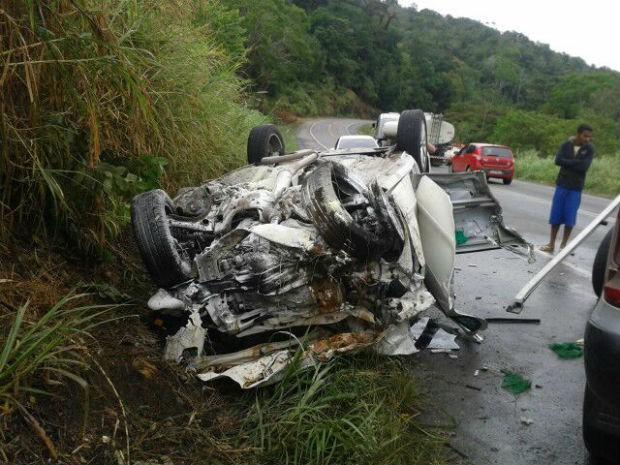 Acidente aconteceu na BR-101 (Foto: Divulgação/PRF)
