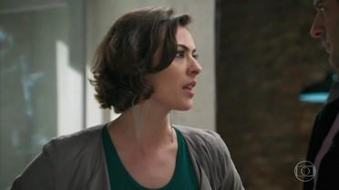 Adriana alerta Beto, dizendo que ele pode prejudicar Tancinha