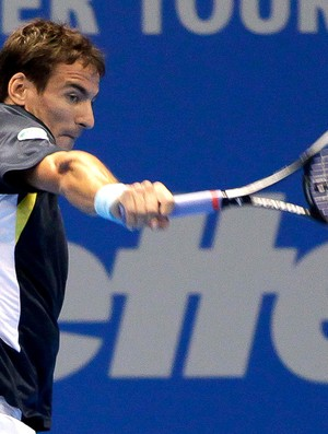 Tommy Robredo tênis contra Bellucci desafio internacional (Foto: Marcello Zambrana / Inovafoto)