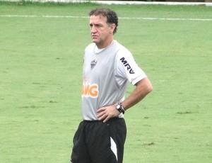 Cuca no treino do Atlético-MG (Foto: Gabriel Duarte )