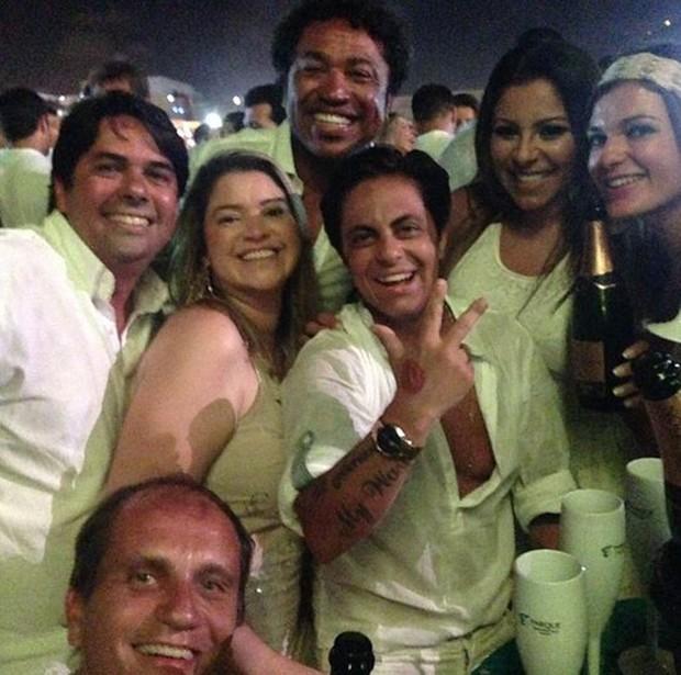 Thammy Miranda e amigos no Réveillon (Foto: Instagram / Reprodução)