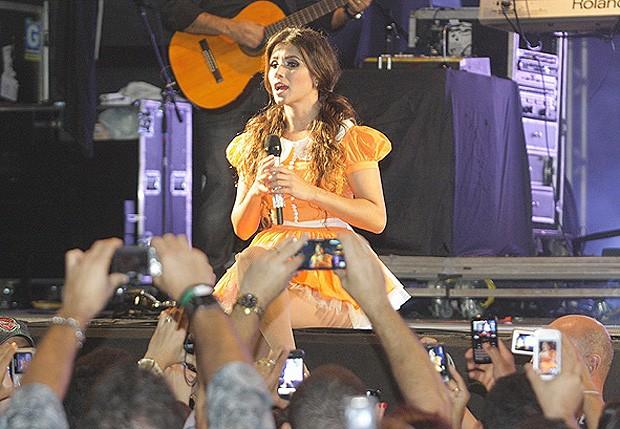 Paula Fernandes se apresenta no São João do Vale, em Petrolina (Foto: Veri Lopes/Ag Fred Pontes-Divulgacao)