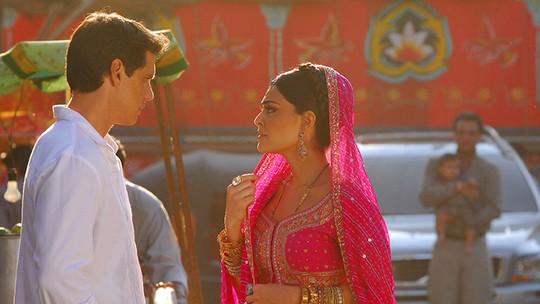Raj descobre que Maya e Bahuan foram namorados. Relembre as emoções de 'Caminho das Índias'